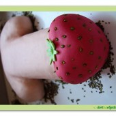 246.Erotický marcipánový dort – Penis s jahodou