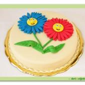 208. Marcipánový dort s dekorem rozesmáté květiny