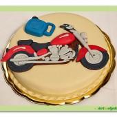 155. Marcipánový dort s dekorem na Motorkářské téma