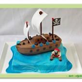 137.Modelovaný marcipánový 3D dort – Pirátská loď