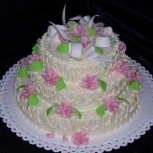 183.Svatební marcipánový dort s karafiátky a lístečky
