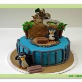 130.Král Jeliman a tučňáci z Madagascaru – patrový marcipánový dort