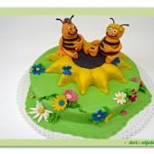 122.Marcipánový dort včelka Mája a Vilík