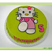 86.Marcipánový dort s dekorem kočička Kitty