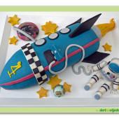 51.Marcipánový modelovaný dort 3D – raketa s kosmonautem
