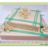 171. Svatební marcipánový dort s dekorací živých květů Orchidea