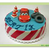 """71.Malý marcipánový dort s motivem """"Cars"""" – aut"""