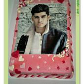 254. Marcipánový dort s fotografií z jedlého papíru s oblíbeným interpretem