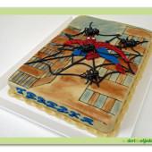 114.Marcipánový dort s dekorem Spider man ve městě