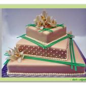 169. Svatební marcipánový dort s dekorací živých květů Orchidea