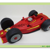 13. Marcipánový modelovaný dort Formule