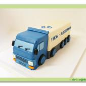 143.Marcipánový modelovaný dort – Kamion s návěsem