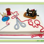 """258. Marcipánový modelovaný dort """"Švadlenka"""""""
