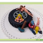 243.Erotický marcipánový dort – mechanikův sen
