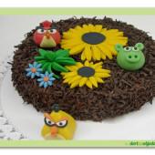 42. Čokoládový dort s motivem angry birds