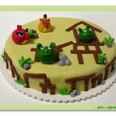 43. Angry birds v akci marcipánový dort