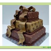 168. Čokoládový svatební dort s náplní z pravé belgické čokolády