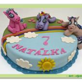 22. My little pony – marcipánový dort s modelovanými poníky