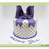 321. Marcipánový dort s mašlí