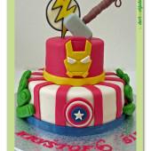 357. Avengers – marcipánový patrový dort