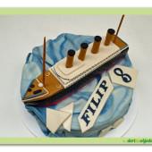 207. Titanic – marcipánový dort s modelem lodě