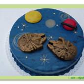 387. Star wars – kosmická loď na marcipánovém dortu