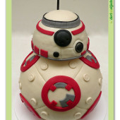 "417. Modelovaný marcipánový dort "" Star wars ""  droid BB-8"