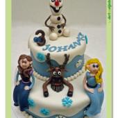 439. Ledové království patrový dort s princeznami, olafem a sobem