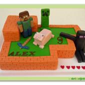 475. Minecraft – marcipánový dort s figurkami ze hry