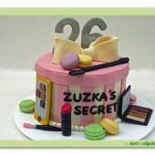480. Modelovaný marcipánový dort –  Tajemství …… všech krásných žen