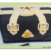 487. Marcipánový modelovaný dort 3D – kabelka LV