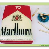 492. Cigarety – smoking marcipánový dort