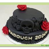 504. Marcipanový dort – černé lebky s růží / black skull/
