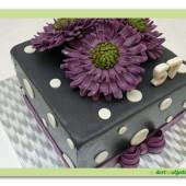 """510. Marcipánový hranatý dort """" Fialový elegán"""""""