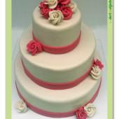 562. Marcipánový svatební patrový kulatý dort s růžemi