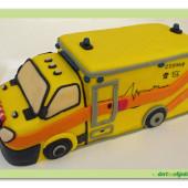 582. Záchranka – sanitka, modelovaný 3D dort