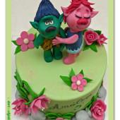 592. Marcipánový dort Trollové – princezna Poppy a Větvík