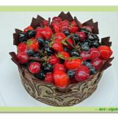 610. Čokoládová  koruna s ovocem