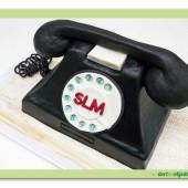 640. Retro telefon